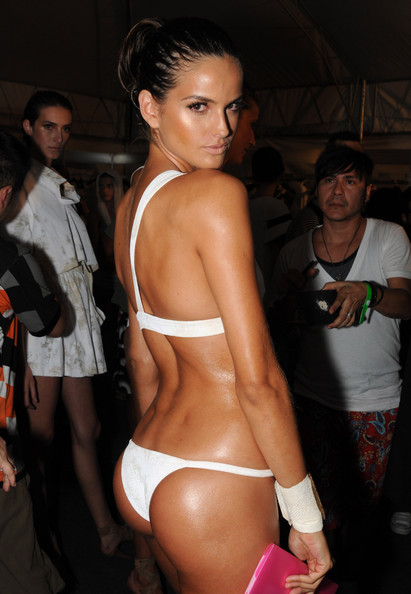 osklen_lenny_runway_rio_fashion_week_backstage01